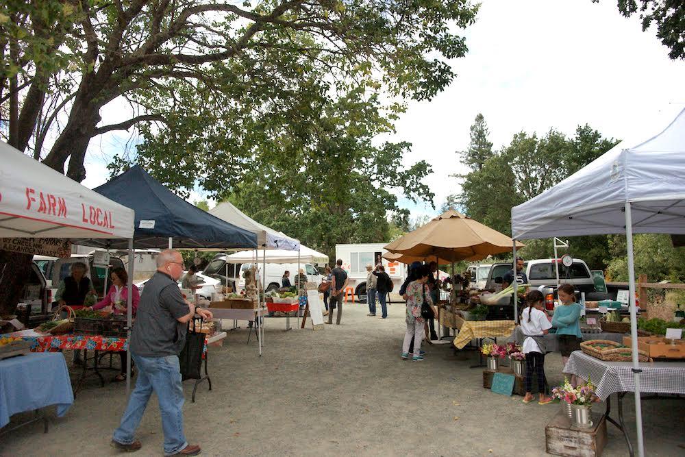 [사진 2,3 – 소노마 힐즈버그 타운의 파머스 마켓 (Healdsburg Farmers Market) ]